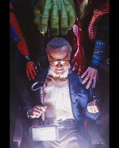 Remembering Stan Lee: Fans All Over the World Honor Marvel's Legend by Creating Touching Tribute Art Marvel Avengers, Marvel Comics, Captain Marvel, Marvel Fanart, Films Marvel, Bd Comics, Marvel Memes, Captain America, Batman