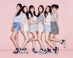 Sehun: Oh oh oh kızlar geliyor😁😁😜 Suho :. South Korean Girls, Korean Girl Groups, Bts Girl, Korean Entertainment, Rap Battle, G Friend, Kawaii Girl, Ulzzang Girl, Pop Fashion