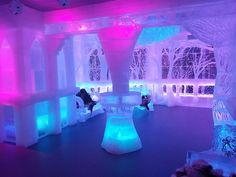 This is pretty cool - would like to check it out.   Hilton New York Does Away with Room Service But Adds an Ice Bar || HotelChatter