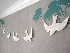lace birds garland
