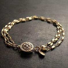 Goth Jewelry, I Love Jewelry, Stone Jewelry, Jewelry Box, Jewelry Bracelets, Jewelry Accessories, Jewelry Design, Fashion Jewelry, Unique Jewelry