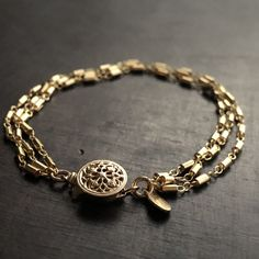 Diamond Jewelry, Silver Jewelry, Vintage Jewelry, Unique Jewelry, Jewelry Crafts, Jewelry Bracelets, Jewelery, Ring Watch, Things To Buy