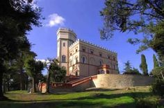 Castle dating back to the Etruscan period. Perugia, Umbria. €7.400.000.