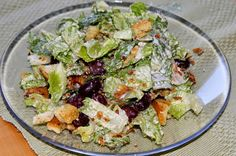 Huvilaelämää ja mökkiruokaa: Helppo Caesar-salaatti cosmopolitan tai roomansalaatista