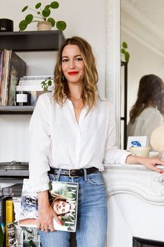 Marissa Cox of Rue Rodier on French Fashion Who What Wear UK French Fashion, Look Fashion, Minimalist Fashion French, Womens Fashion, Fashion Spring, Classic Fashion, Jeans Fashion, Cheap Fashion, Classic Style