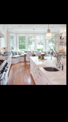 Perfect kitchen for a family breakfast