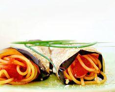 Involtini di melanzane e spaghetti alla Norma Ricotta, Pot Pasta, Spaghetti, Easter Recipes, Asparagus, Tacos, Beef, Vegetables, Ethnic Recipes