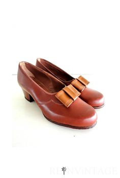 vintage 1940s shoes  40s high heels / amber by shopREiNViNTAGE