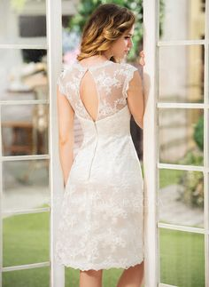 Corte A/Princesa Escote redondo Hasta la rodilla Satén Encaje Vestido de novia (002052768)