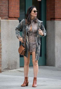 olivia-munn-out-and-about-in-nyc-_4.jpg 1.200×1.760 píxeles