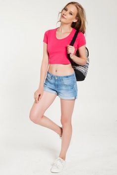The Girl That Loves Peony Pembe Crop Top