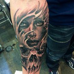Did this at Amsterdam tattoo convention#tattoo#Amsterdamtattooconvention#convention#skull #ink#surrealism #realism #Amsterdam#black&grey#