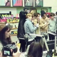 Baekhyun was trying to cover chanyeol from the photo so Yeol kept on hitting his head. Chanbaek, everyone!