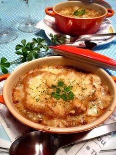 時間短縮は電子レンジにあり?!手軽&簡単にできる、オニオングラタンスープのレシピがこちら。