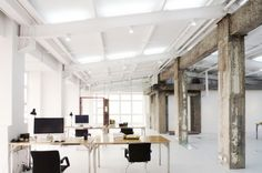 LYCS ARCHITECTURE WHITE OFFICE PICTURES