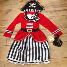 New Girls Deluxe Captain Pirate Costume & Treasure Bag Dress Up Age 3/4 years