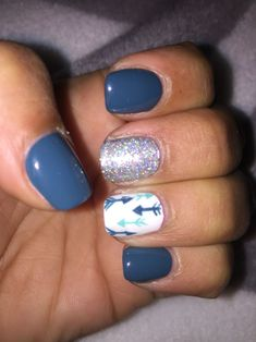 Grey white teal arrows silver nail design - #accentnails #accent #nails