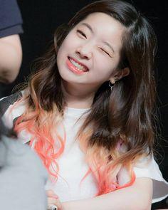 Dahyun winking ;) so cute So adorable . . #TWICE #Dahyun #DahyunTwice #다현 #김다현 #트와이스 #jyp #jype #jypentertainment #jypnation #kpop #twicehk #ONCE #prettydahyun #Momo #Sana #Nayeon #Tzuyu #Chaeyoung #Jungyeon #Mina #Jihyo #twicett #ㅜㅜ #TT #티티 #KnockKnock #choadahyunkpop