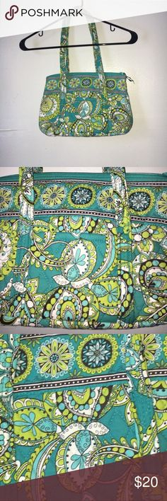 Vera Bradley Yellow Green Floral Tote Bag EUC.There are 6 pockets on the inside to fit everything you need! Vera Bradley Bags Totes