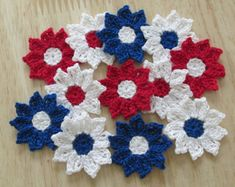 Red White and Blue Crochet Daisy Flowers, Handmade, Embellishments - set of 12 Crochet Daisy, Cotton Crochet, Crochet Home, Thread Crochet, Crochet Flowers, Etsy Crafts, Handmade Crafts, Little Flowers, Daisy Flowers