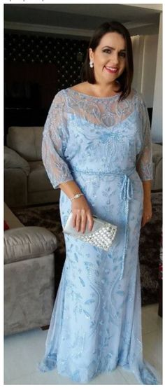 Something about this beautiful baby blue gown! I think many, many women could wear this to equal romantic effect!