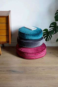 Cushion - seat made of strong velour fabric - Betty's Home Great velvet pouf made of highest quality upholstery textile. Removable cover with zipper. This pouf will gives a special special. Floor Pouf, Floor Cushions, Round Floor Pillow, Red Floor, Soft Flooring, Velour Fabric, Velvet Pillows, Dream Decor, Houses
