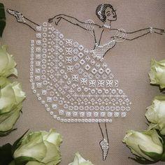 Балерина по схеме Полины Андриевской. #вышивка #шовчики #рукоделие #crosstitch #handmade #хобби #балерина #embroidery