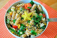 Hellmans Macaroni salad recipe is a type of pasta. Hellmans macaroni salad recipe popular in Philippines ,Australia and New Zealand and United states Easy Pasta Recipes, Pasta Salad Recipes, Cooking Recipes, Healthy Pastas, Healthy Snacks, Antipasto Pasta Salads, Salad Dishes, Cookout Food, Vegetable Pasta