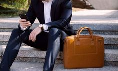 Valódi bőrből készült laptoptáskák Dundee, Belfast, Macbook, Kate Spade, Leather Bags, Fashion, Leather Tote Handbags, Moda, Leather Slouch Bags
