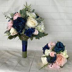 Blue And Blush Wedding, Navy Wedding Flowers, Wedding Flower Arrangements, Wedding Centerpieces, Wedding Colors, Wedding Decorations, Rose Wedding, Stage Decorations, Tall Centerpiece