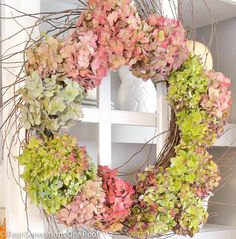 DIY:: Beautiful !! How to make a wreath Year Round Hydrangeas Wreath !