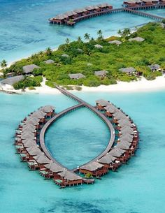 A Little Piece of Paradise, Tropical Resorts - Maldives