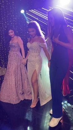 lebaneseweddings on Instagram: Yesterday's bride's squad rocking her night 🥰 Tag Yours ! _______________________ ▪︎Wedding planner and designer: @pamelamansourmehanna… Lebanese Wedding, Prom Dresses, Formal Dresses, Wedding Videos, Wedding Moments, Squad, Wedding Planner, Bride, Rock