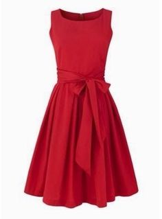I love red dresses <3