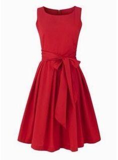 I love red dresses <3