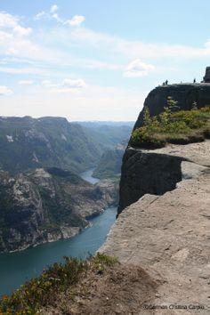 Gorgeous postcard vistas on the hike to Preikestolen. #Regionstavanger Photo: Carmen Cristina Carpio Tobar