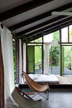 Luxurious And Clean Bedroom Verandah Of Mandalay Beach With Turf ... | {Küchenverkleidung 32}