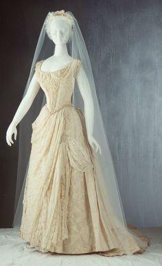 Historical Wedding Dress On Pinterest Silk Satin