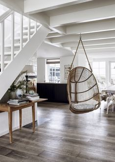 Interieur inspiratie uit Denemarken. Voor meer interieurs kijk ook eens op http://www.wonenonline.nl/interieur-inrichten/