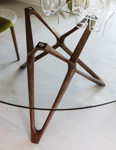CALLIGARIS TOKYO DINING TABLE GLASS/WALNUT £786.25 - £930.75 Comes ...