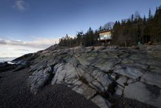 Chalet Panorama in Quebec Overlooks Rocky Landscape - http://freshome.com/chalet-Quebec/
