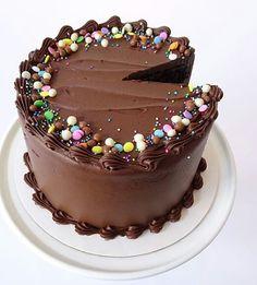 I Chocolate Cake Designs, Chocolate Truffle Cake, Cupcakes, Cake Truffles, Easy Cake Decorating, Birthday Cake Decorating, Chocolate Birthday Cake Decoration, Cake Designs For Kids, Syrup Cake
