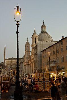 Artistas en la Piazza Navona  - http://www.viajararoma.com/lugares-para-visitar-en-roma/piazza-navona/ #Roma #turismo