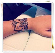 90 Immensely Deep and Positive Lotus Mandala Tattoos to Express Your Spiritual Side - Insanely Deep and Positive lotus mandala Tattoo Arts - Mandala Wrist Tattoo, Tatoo Henna, Mandala Tattoo Design, Tattoo Designs, Tattoo Ideas, Lotus Tattoo, Simple Mandala Tattoo, Henna Mehndi, Tattoo Trends