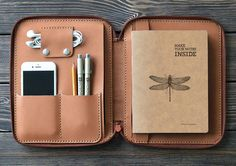 40 Awesome Gift Ideas For Architects And Interior Designers // A small leather folio for a table and the essentials.