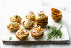 Cold smoked salmon buttons