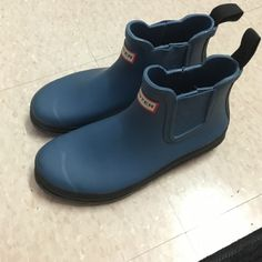 Hunter Boots Short, Chelsea boots. Brand new, worn 1-2 times. Women's size 8.5. Price is negotiable. Hunter Boots Shoes Winter & Rain Boots