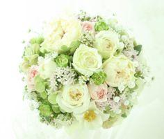 バラとカスミソウのラウンドブーケ 定番の花合わせ@2010年 : 一会 ウエディングの花