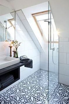 <p>Maximize your space with matching bathroom and showerstatement floor tile.</p>