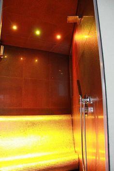 steam bath with heated bench ## Dampfbad mit beheizter Bank